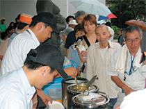 東日本大震災による避難所における炊き出しの焜炉にLPガスを活用